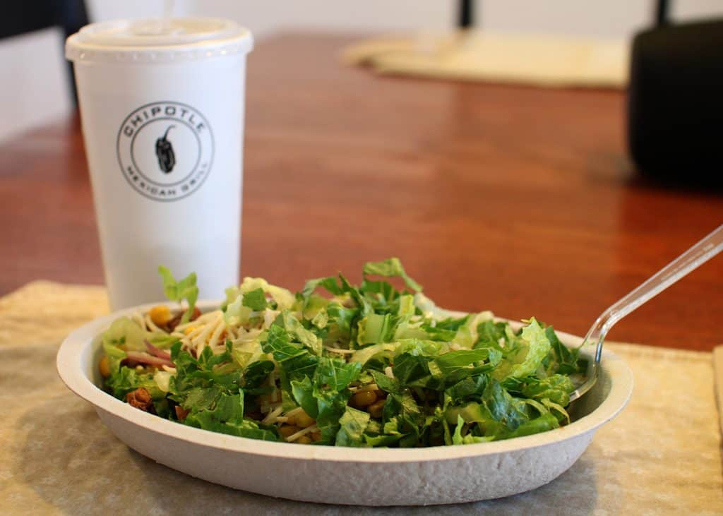 keto eat chipotle salad