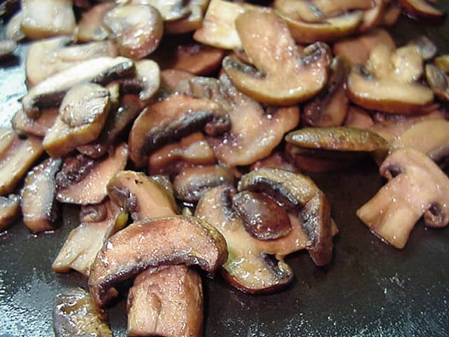 ketogenic compatible burger toppings smashburger mushrooms