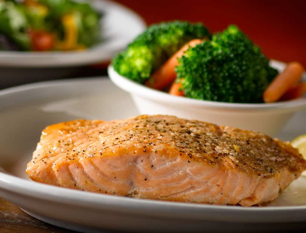 low carb entree meal texas roadhouse grilled-salmon
